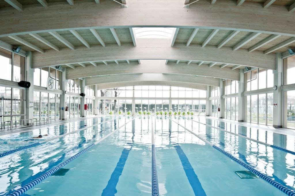 Selezioni per corsi di bagnino di salvataggio valido per - Corsie per piscine ...